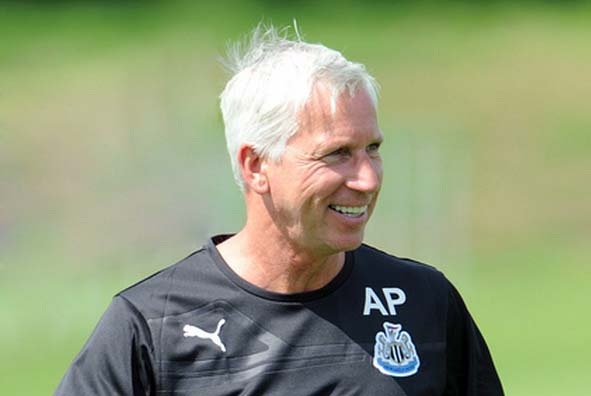 Alan_Pardew_Newcastle_United_NUFC_67 (2)