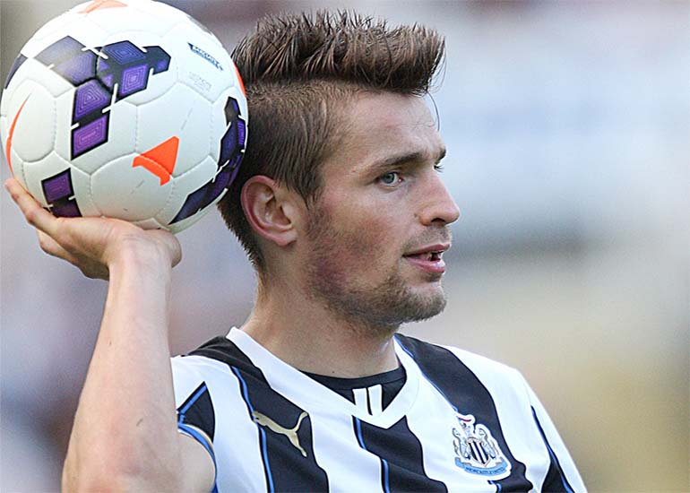MD0005_mathieu_debuchy_newcastle_united_nufc_770