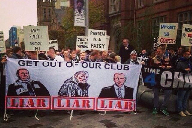 Newcastle_United_Protest_March_NUFC