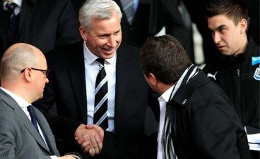 Alan Pardew Mike Ashley Handshake