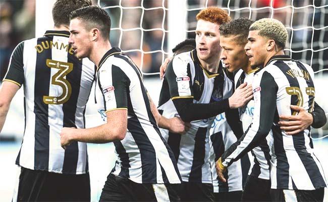 Rafa Benitez bemoans added time decision as Leeds snatch late equaliser