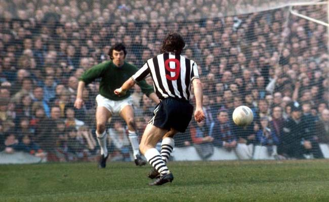 http://www.themag.co.uk/assets/malcolm_macdonald_fa-cup-semi-final-burnley-1974-newcastle-united-nufc-650x400.jpg