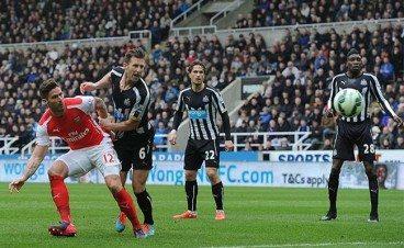 Mike Williamson Newcastle United Olivier Giroud Header Arsenal