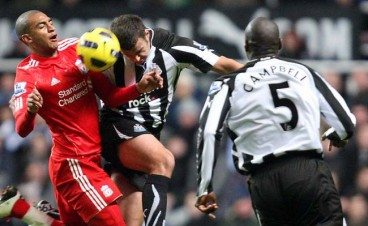 Sol Campbell Newcastle United v Liverpool 2010